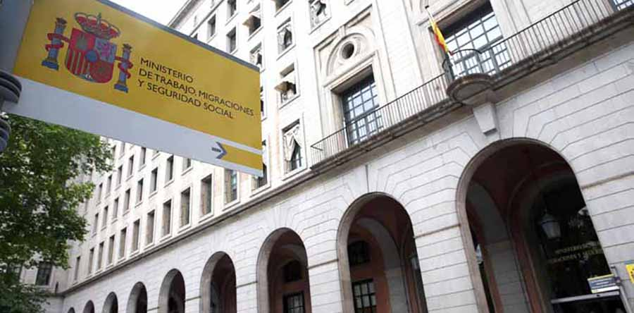 fachada del ministerio de trabajo, migraciones y seguridad social