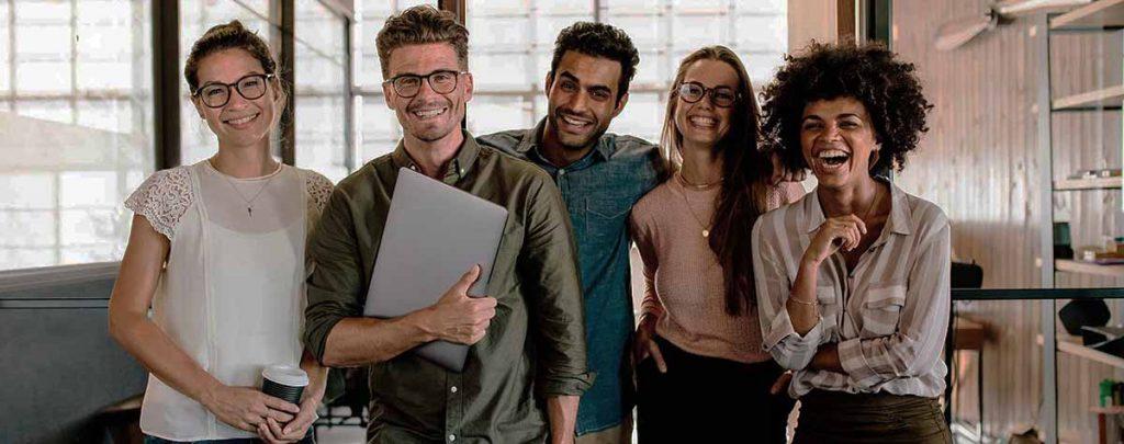 jovenes extranjeros trabajan en espana
